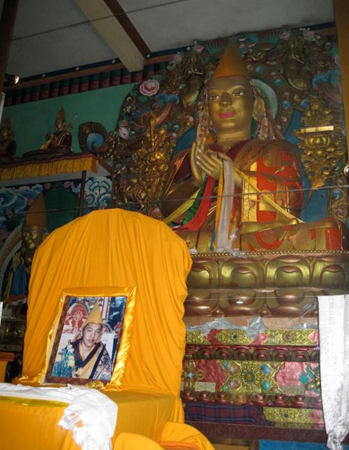 Lama Tsongkhapa with Kyabje Trijang Rinpoche's throne