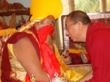 Kundeling Rinpoche consults Dorje Shugden oracle in trance