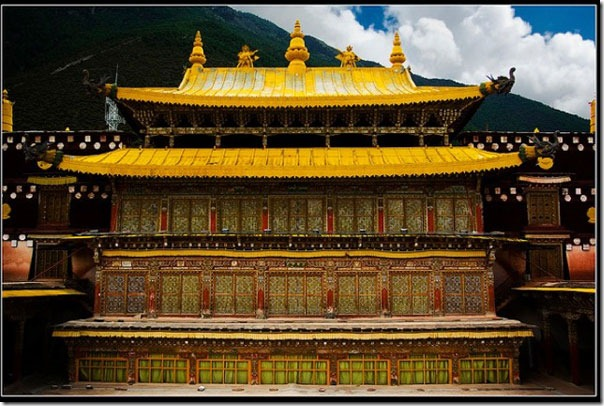 Top-of-gompa,-Trijang-rinpo