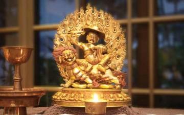 Dharma di-demistifikasi:  Dorje Shugden sebagai Yidam