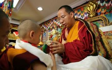 Denma Gongsa Rinpoche bertemu dengan Panchen Lama