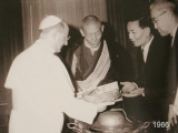 HH Trijang Rinpoche with the Pope