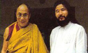 The Dalai Lama with Shoko Asahara, leader of the Aum Shinrikyo group
