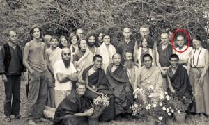 Kopan Monastery in 1971. Front row (left to right): Zina Rachevsky, Lama Zopa Rinpoche, Geshe Thubten Tashi, Age Delbanco (Babaji), Lama Yeshe and Losang Nyima. Claudio Cipullo is circled in red