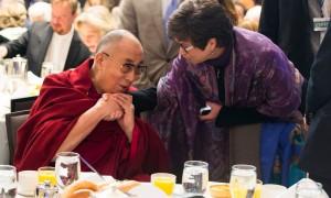 dalai-lama-breakfast01